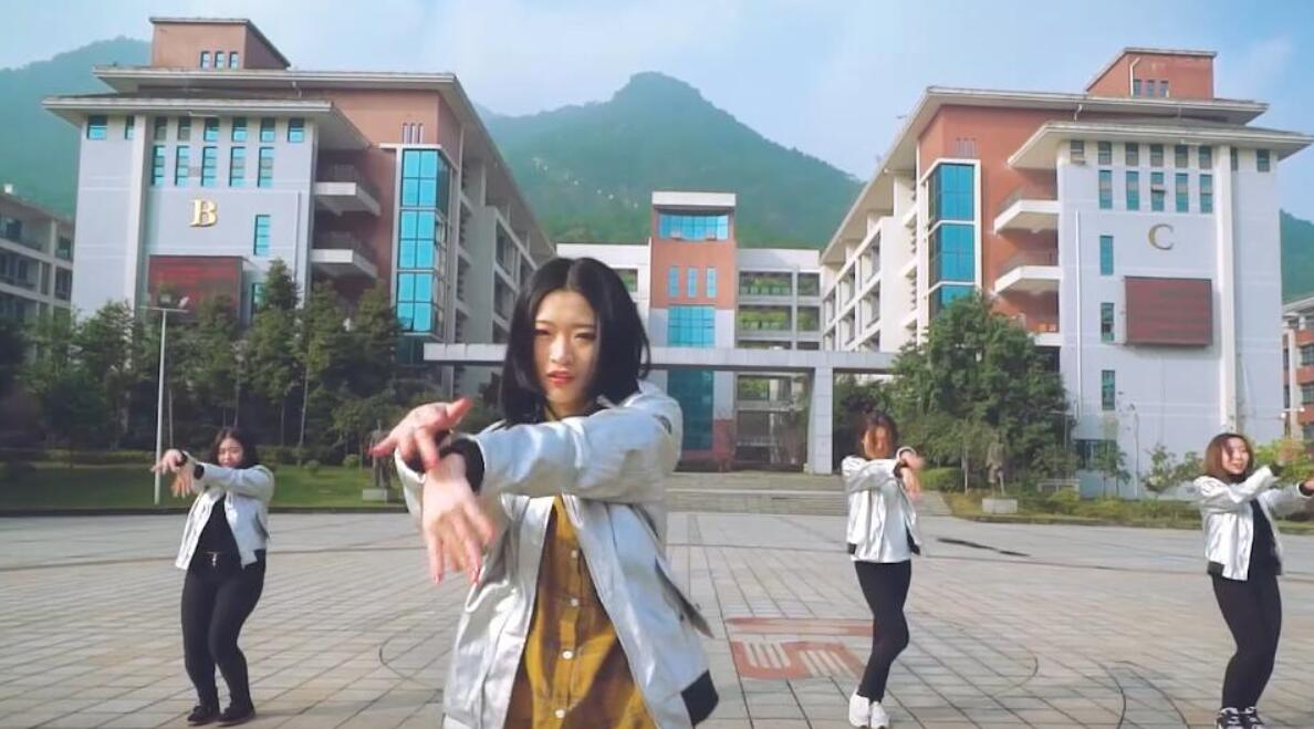 四川外国语大学舞蹈